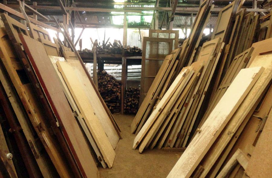 Puertas de madera. variedad