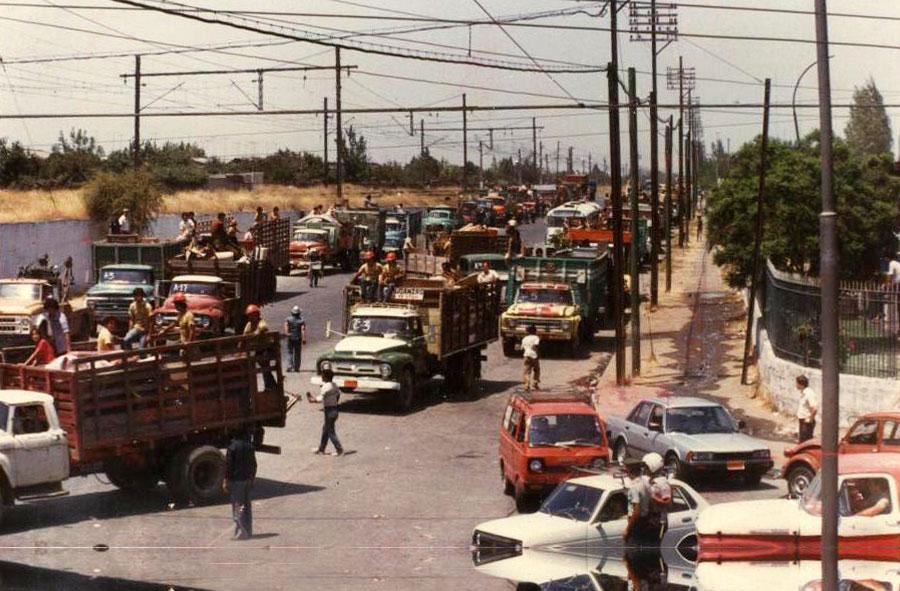 1985: Erradicación del Campamento Isabel Riquelme.