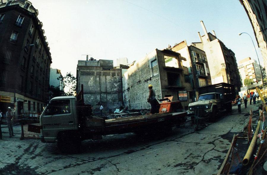 1995: Limpieza total y retiro de escombros. Monjitas con Mosqueto.