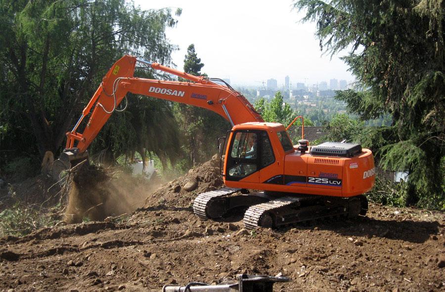 2007: Excavación y movimientos de tierra, Licanray.