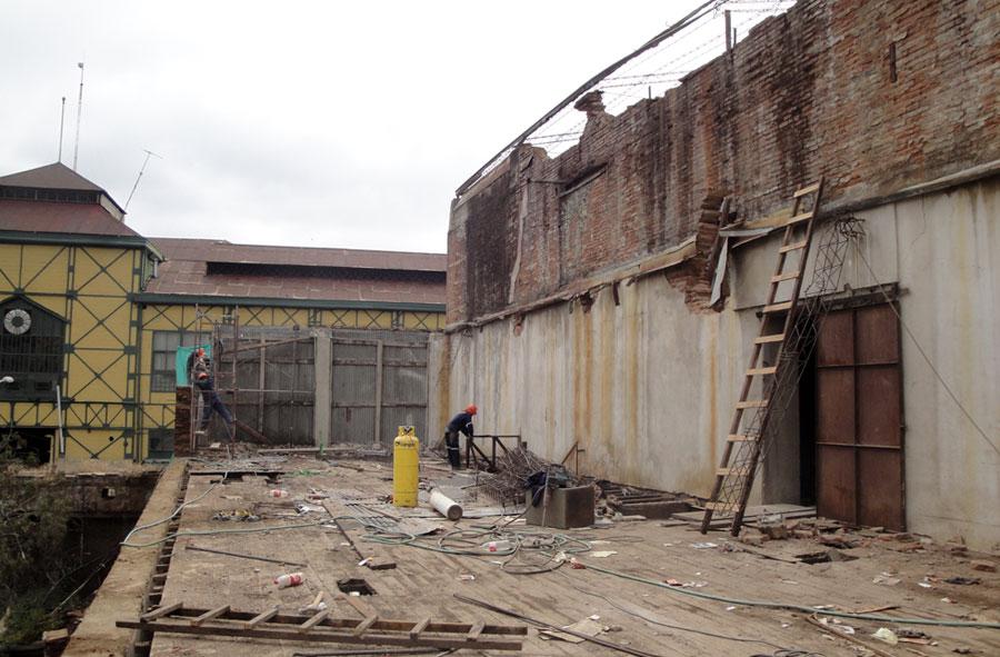 2010: Desmantelamiento de dependencias Universidad Católica de Valparaíso.